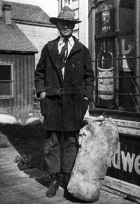 A young man, Arthur Dailey arrives in the West. 1919.